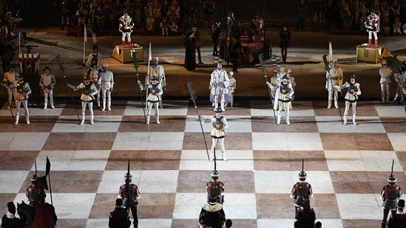 AT LuxuryRent a Marostica per gli scacchi a personaggi viventi