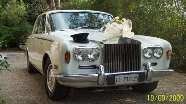 AT LuxuryRent Autonoleggio con conducente Flotta auto da cerimonia